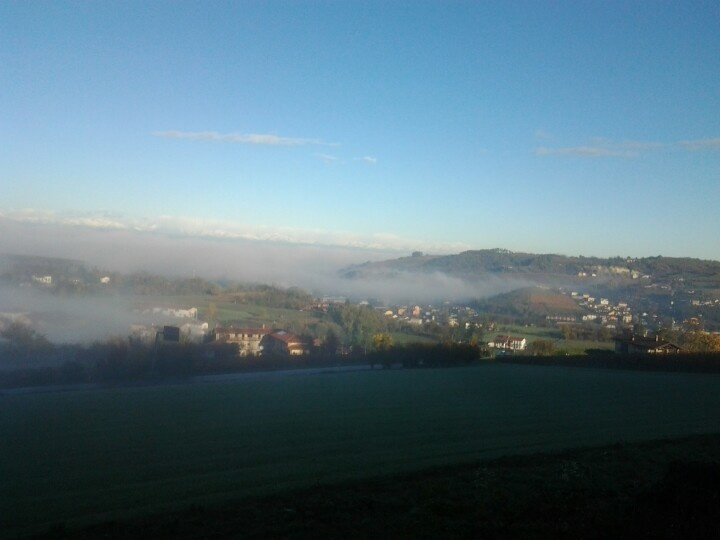 Stamattina nebbia e sole a dogliani a dogliani #lafusina sole!