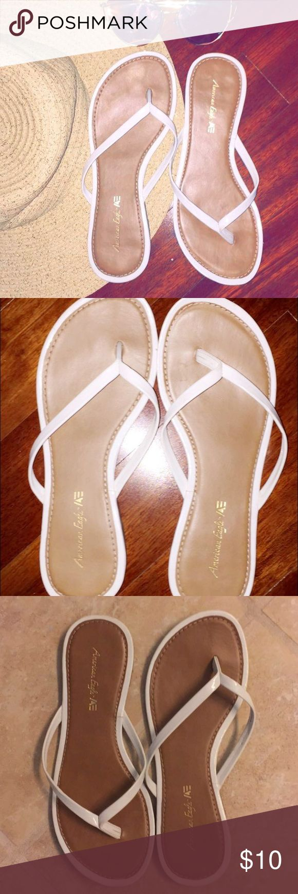 American Eagle Flip Flops 6 Dressy flip flops in white and tan by American Eagle in size 6. Comfortable & used once! American Eagle Outfitters Shoes Sandals