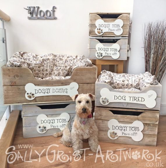 Presenting our newest doggy product in the Wet Nosed Friends range - our totally GORGEOUS dog beds, complete with made-to-measure fitted cushion inside, and hand-printed bone plaque on the front.... just PAWESOME!  Handmade in the UK, these shabby-chic dog beds are the perfect addition to your poochs household furniture. Carefully styled to coordinate with our incredibly popular toy boxes (see our other listings) these rustic crate-style beds are hand-painted, hand-sanded and crafted with…