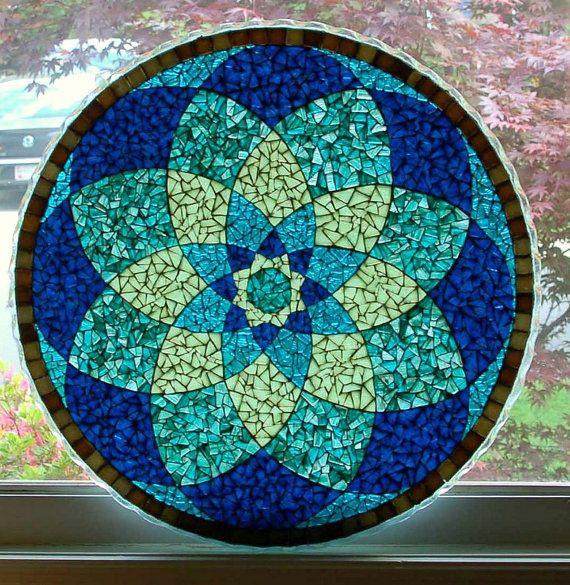 TF #13 bleu Mandala verre mosaïque table translucide  Dimensions : 24 diamètre…