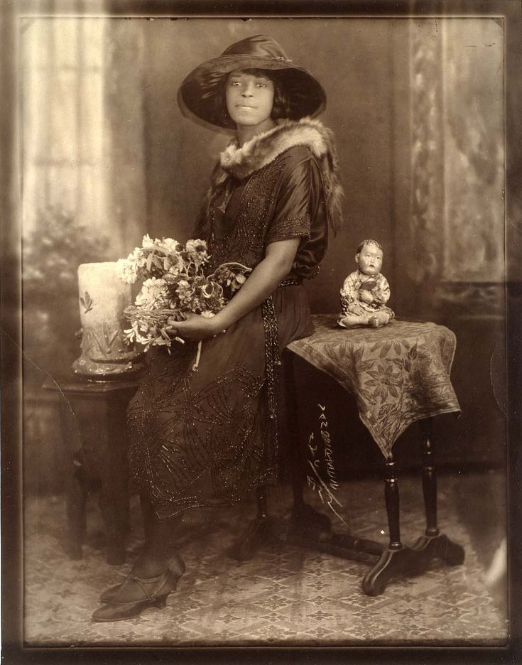 """""""Evening Attire"""" - portrait by James Van Der Zee, 1922  James Van Der Zee is one of the best African American Photographers, his pictures captured the real life of African Americans in Harlem during the 1920's. Great photos, one to research!"""