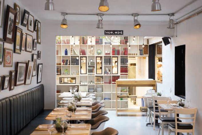 Una receta criolla Los cocineros de El Chato formaron un espacio relajado, con el ambiente acogedor de una casa de familia. Diagonal 68 No. 11A-29. Tel. 300 0306. Bogotá.