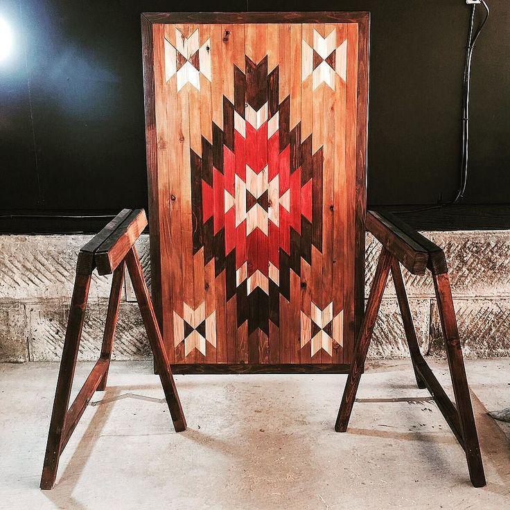 ネイティヴテーブル完成  大きめな天板  脚は折り畳み  ダイニングテーブルとしても  キャンプの作業台としても  使えるかな #furniture#tabletop#handmade#interior#design#art#vintage#shabby#painting#original#japan #キャンプ#テーブル#家具#インテリア#アウトドア#ネイティヴ#ハンドメイド#男前#男前インテリア#デザイン#アート#ヴィンテージ#千葉 by m_encounter