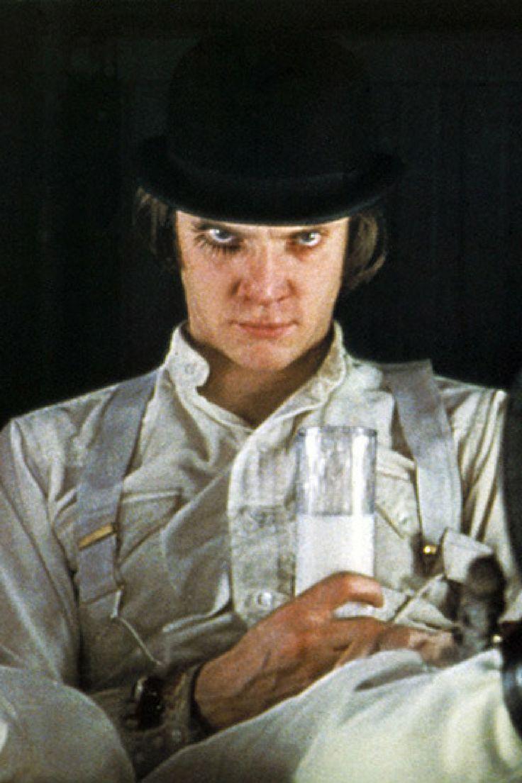 A Clockwork Orange - Malcolm McDowell 『時計じかけのオレンジ』(1971)でのマルコム・マクドウェル  What GQ Editor says Vol. 24 今日の一言スタイル批評:ヴィランに学ぶ 映画には、時に主役を食うような悪役が登場する。そのような存在を「ヴィラン」と言う。今回のスタイル批評では、ヴィランの魅力を紹介したい。  http://gqjapan.jp/culture/celebrity/20160412/what-gq-editor-says24