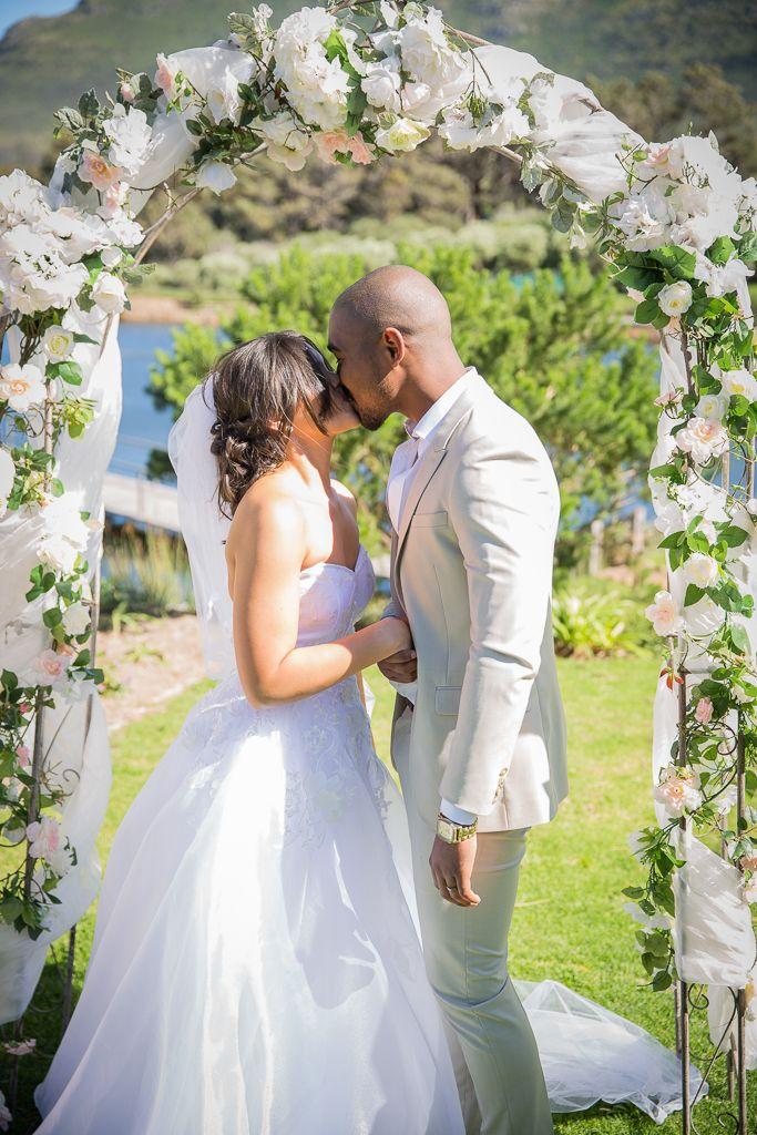 Kim & Shane | Wedding, Cape Point Vineyards – Michelle Lategan Photography