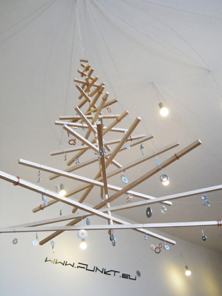 un sapin de Noël en bois, funkt architects