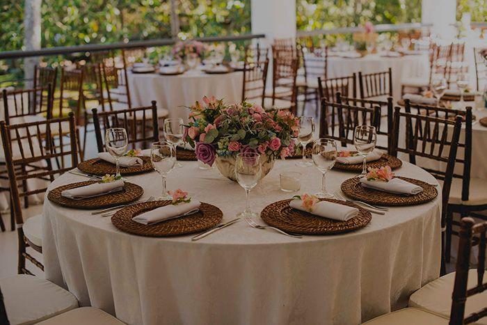 Karoline & André - Casamento no Campo - uma cerimônia linda, durante o dia e em um clima super campestre, cheio de detalhes lindos.