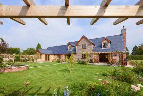an oak frame traditional home | Welsh Oak Frame #oak #oakframe #welshoakframe #wood #greenoak #glazing #dreamhome #dream #home #house #self-build