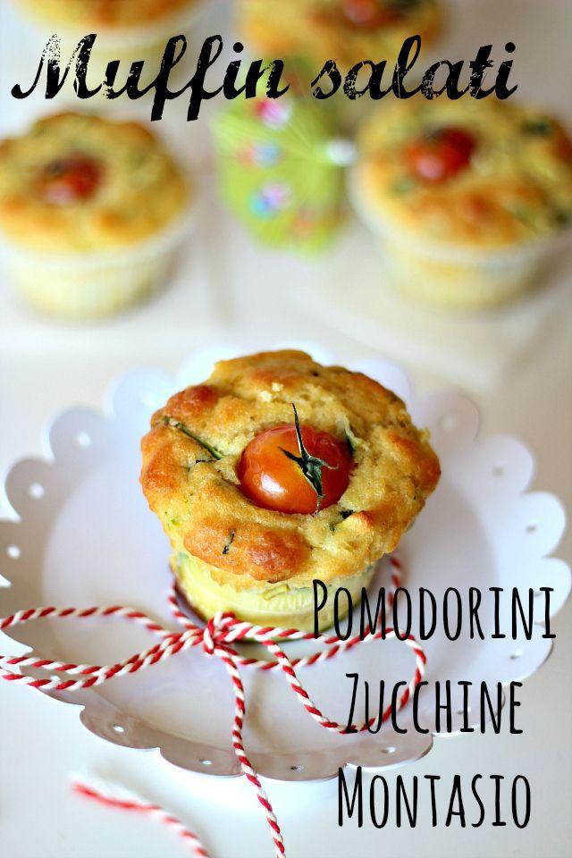 Muffin salati con pomodorini, zucchine e montasio