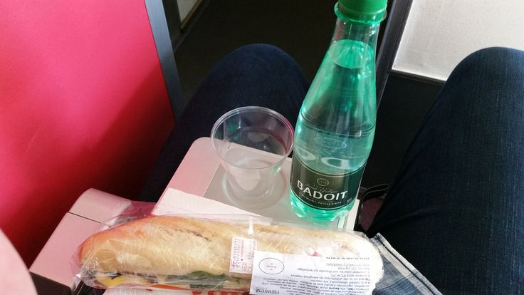 V7 2514 Strasbourg - Marseille:  Ham and cheese baguette with sparkling water