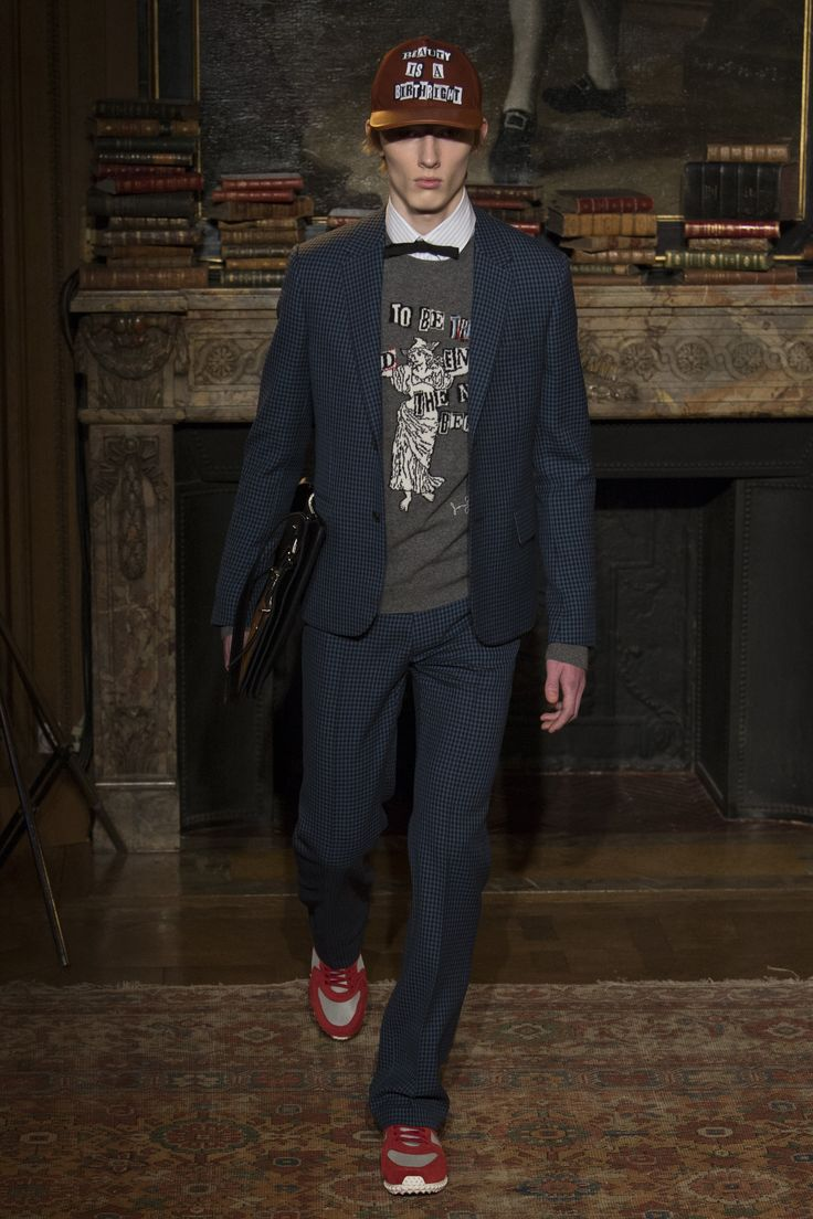 Valentino Fall 2017 Menswear Collection Photos - Vogue
