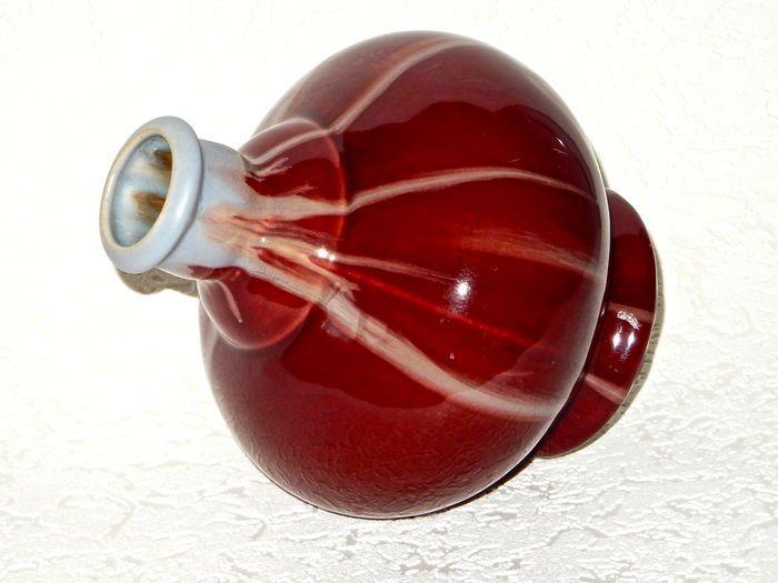 Online veilinghuis Catawiki: Faïencerie de Thulin - art nouveau vaas met decoratie van druipglazuur oxblood en grijs