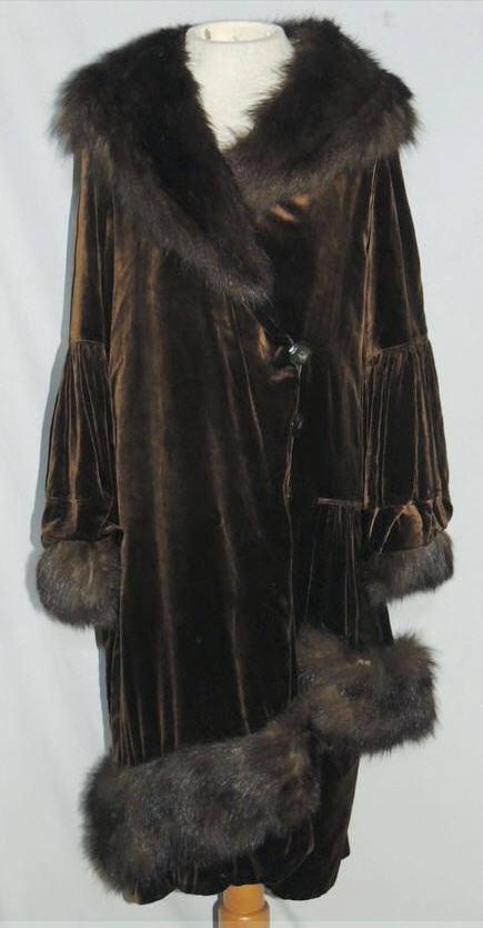 Bon Marche' 1920-30's Brown Silk Velvet Coat w Fur Trim via eBay