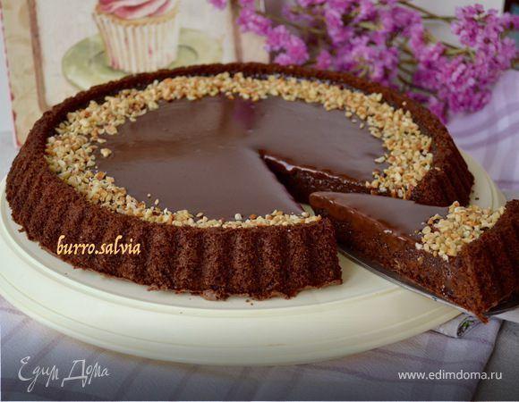Ингредиенты: Шоколадный ганаш сливочное масло50 г шоколад200 г сливки 33-35% 200 мл Бисквит сахар150 г сливочное масло50 г шоколад100 г мука100 г разрыхлитель1 ч. л. яйца куриные3 шт.