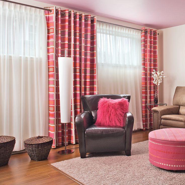 Masquez les fenêtres du sous-sol, généralement petites et peu esthétiques. Utilisez un habillage de fenêtre élégant, sophistiqué et surtout rusé! Dans les magasins spécialisés, procurez-vous une tringle à rideaux standard ou sous forme d'un fil d'acier qu'il suffit de tendre entre deux murs. Veillez à ce que celles-ci soient assez longues pour épouser toute la largeur du mur à habiller. Choisissez ensuite des voilages, que vous pourrez agrémenter de rideaux et qui pourront...
