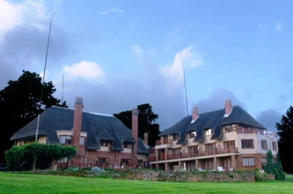 The Bend Country House - This well established country house dating from the 1930's is situated on a magnificent Nature Estate of 1400 hectares. It nestles in a secluded amphitheatre in the foothills of the majestic Drakensberg ... #weekendgetaways #nottinghamroad #southafrica