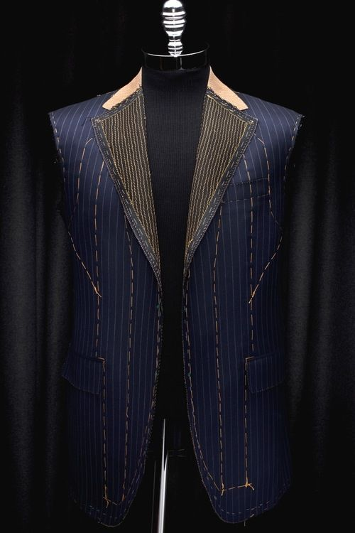 Oxxford Construction. Very fine, hand padded lapels.