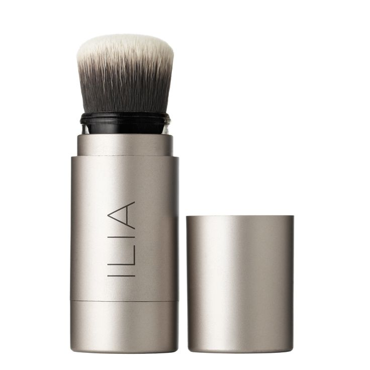 Ilia - Fade Into You - The translucent base is a blend of organic powder and oils including Aloe Leaf Extract, full of minerals and vitamins to help keep skin looking soft and supple. Passion Fruit and Rosemary Oil contain anti-inflammatory properties to help soothe the skin.