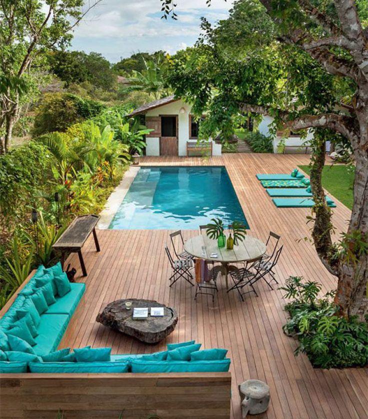 Com vistas exuberantes, acompanhadas de jardins vistosos, na praia, campo ou cidade. Estas piscinas fizeram sucesso no Pinterest