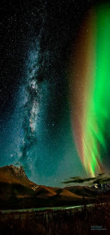 Milky Way and the Aurora Borealis | Taken in Alaska deep in the Brooks Range north of the Arctic Circle, Alaska, USA