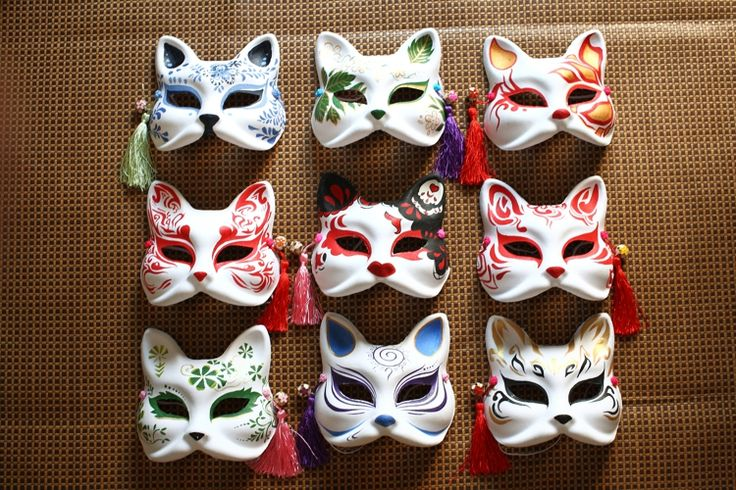 An artists representation of kitsune masks, these seem more fitting for a masquerade party than a kabuki show But the colour diversity is still beautiful (imgarcade.com/1/japanese-fox-festival-mask, 2014)