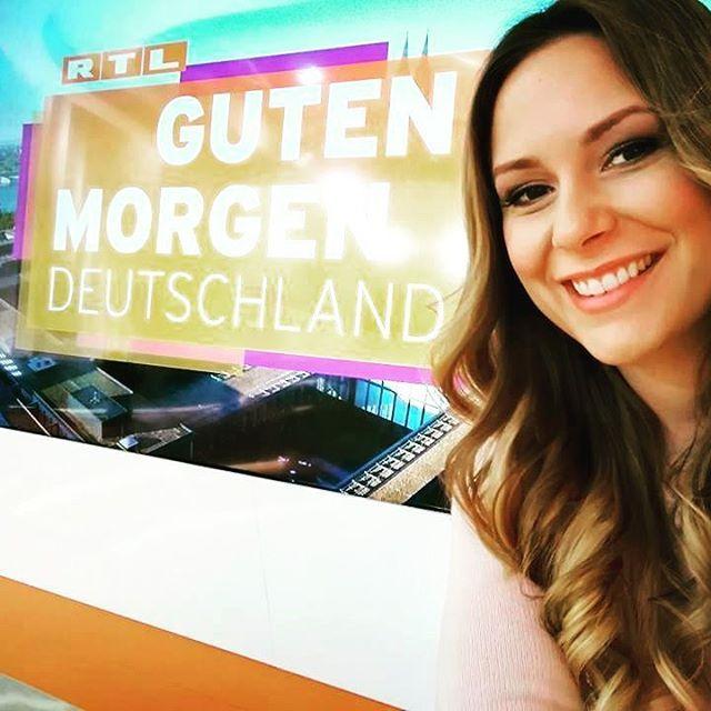 Startet gut in den Tag  #saskianaumann #rtl #moderatorin #work #fun #tv #gutenmorgendeutschland #köln