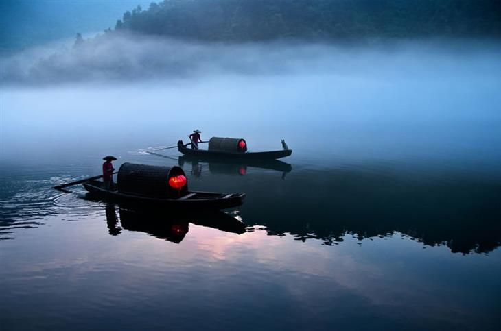 Paisagens da China - Barqueiros Navegando