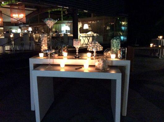 εξωτερικός χώρος anais με το τραπέζι ευχών