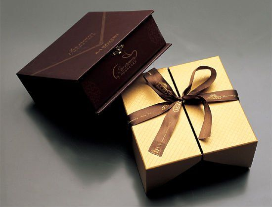 luxury_gift_box_packaging.jpg 550×419 pixels