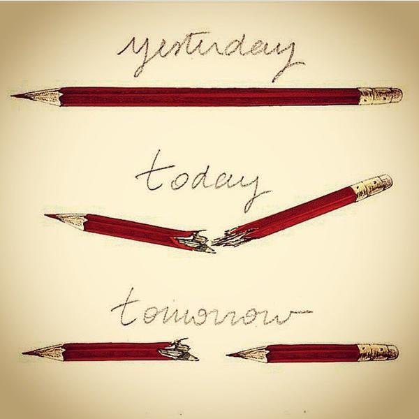 RT @SimonLabouyrie: Banksy signe un dessin historique... #NousSommesCharlie   Banksy's tribute ♥ #epinglercpartager