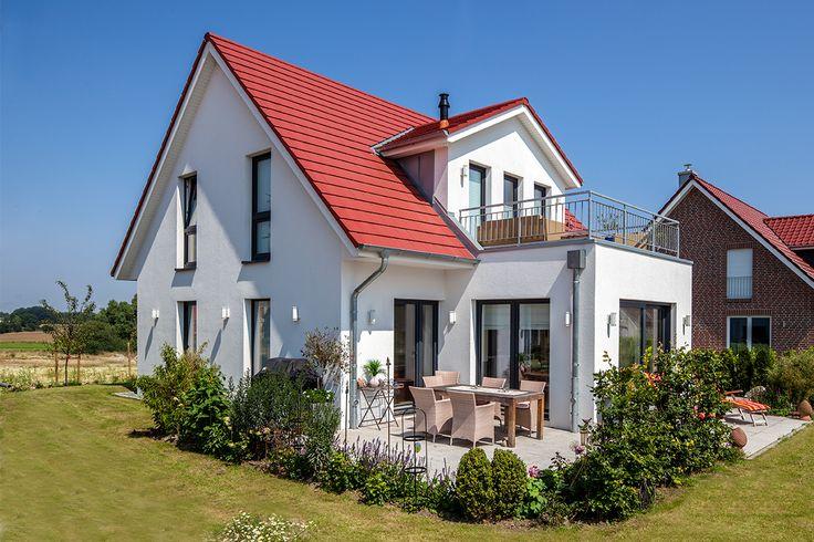 европейский дом с красной крышей фото технику адаптировал для