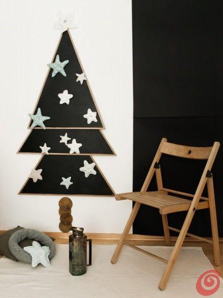 Idee fai da te :: L'albero di Natale fai da te con la lavagna magnetica.