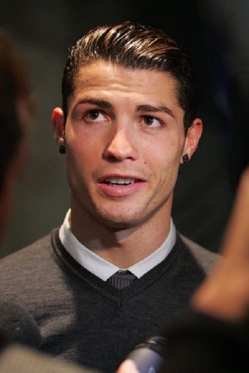 30 Cool Cristiano Ronaldo Hairstyles Gallery www.footballvideopicture.com