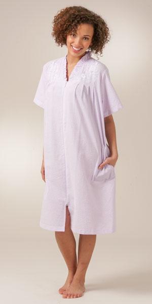 Plus Miss Elaine Zip Front Seersucker Robe Short in