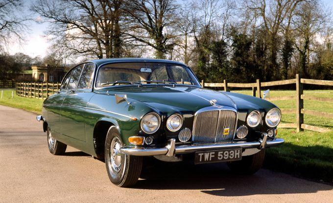 ボード Jaguar Saloon のピン