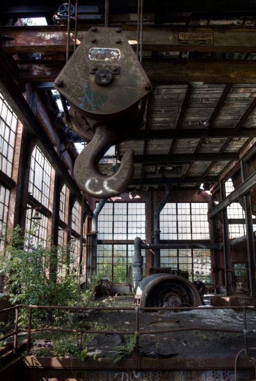 Ashely-Huber coal breaker. 1938-2014