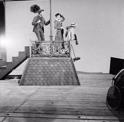 *m. Dick Van Dyke, Julie Andrews, Matthew Garber, and Karen Dotrice // Mary Poppins (1964)