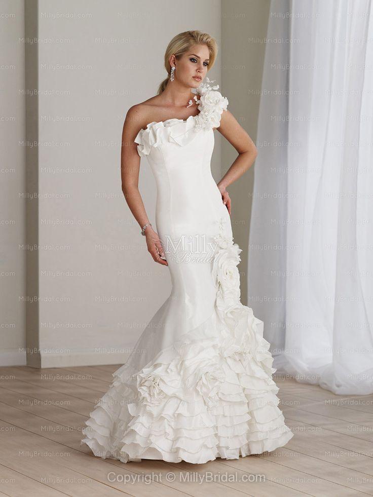La cucaracha la cucaracha world 39 s ugliest dresses for Ugly wedding dresses for sale