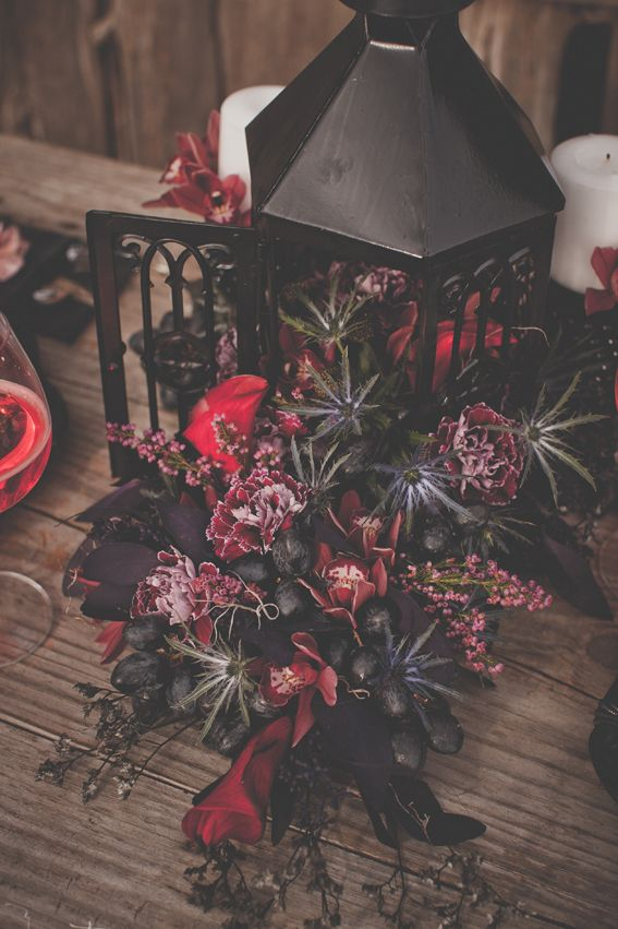 Tim Burton wedding centerpiece, red and black wedding decor | Liz Chrisman Photography | Rubies and Ribbon Blog