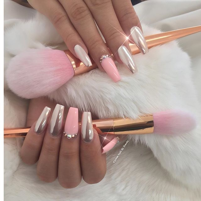Soft and very pretty. I must do! #nailartdesigns
