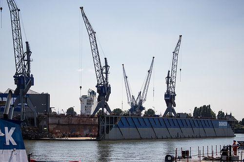 Cranes at Wiltonhaven Rotterdam #Wiltonhaven #Rotterdam #Harbor #Dock #010 #Holland #Sky #Blue #Sunny #Architecture #Urban #City #World #Port #Netherlands #Roffa #Canon #700D #Photography
