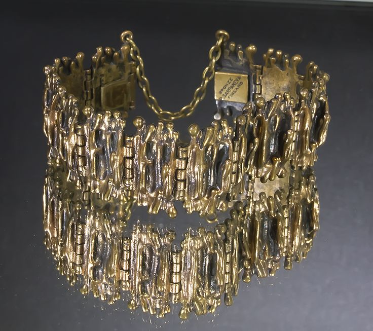 Pentti Sarpaneva Brutalist bracelet made of bronze