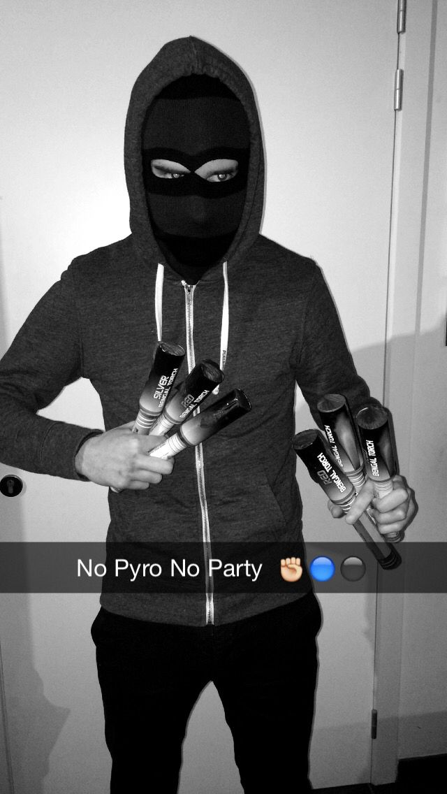 No Pyro No Party ! Pyro is not a crime ✊