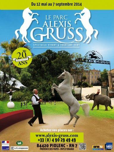 Le Cirque #GRUSS prend ses quartiers d'été à Piolenc. Notre avis ...
