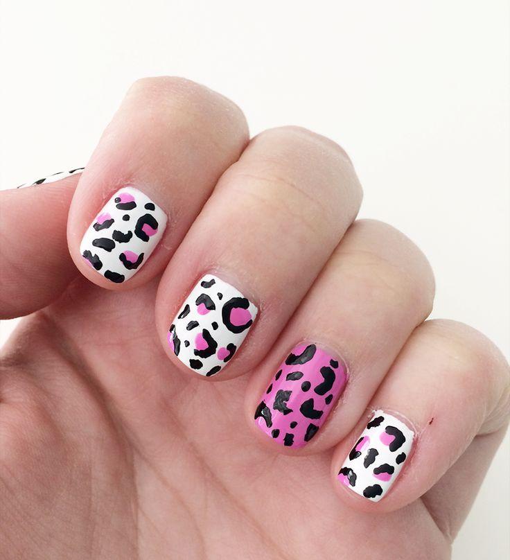 Margo reviewde Laushine witte nagellak, Laushine pastel roze nagellak en maakte er een nail-art van met de zwarte Lemax striper!