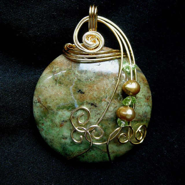 Green Agate Gold Wire Wrapped Pendant Necklace