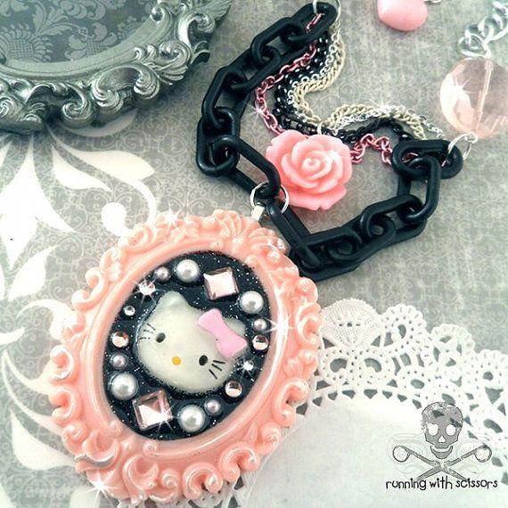 hk beautiful necklace