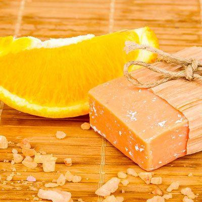 DIY-Kosmetik-Rezept für selbst gemachte Ingwer-Orangen Seife
