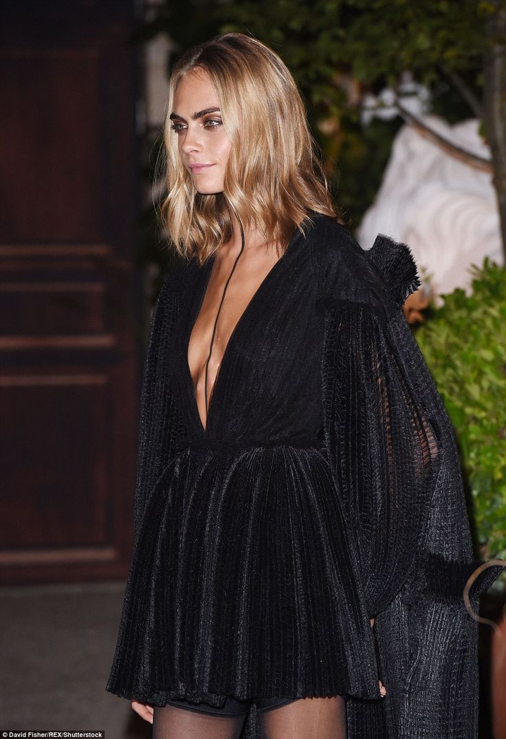 Doing her best.. Cara showed other models exactly how its done as she sizzled outside the ...