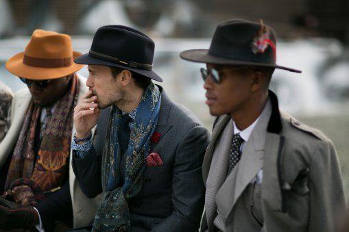 Mens Street Style Fall Winter 2016 http://www.streetstyleswipe.com/blog.php?blog=136